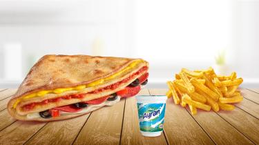 Sezar Tost + Patates + Ayran.png